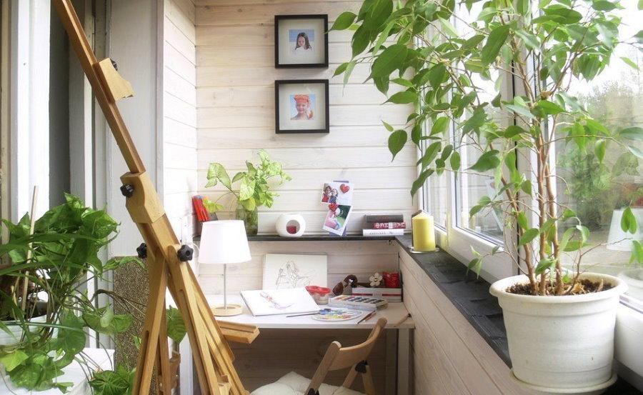 Рабочий кабинет на балконе с выносом