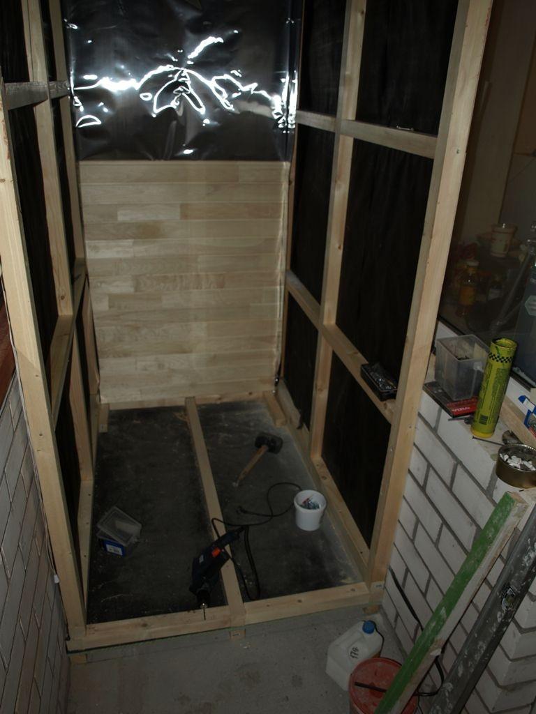Сооружение каркаса стен для сауны на балконе