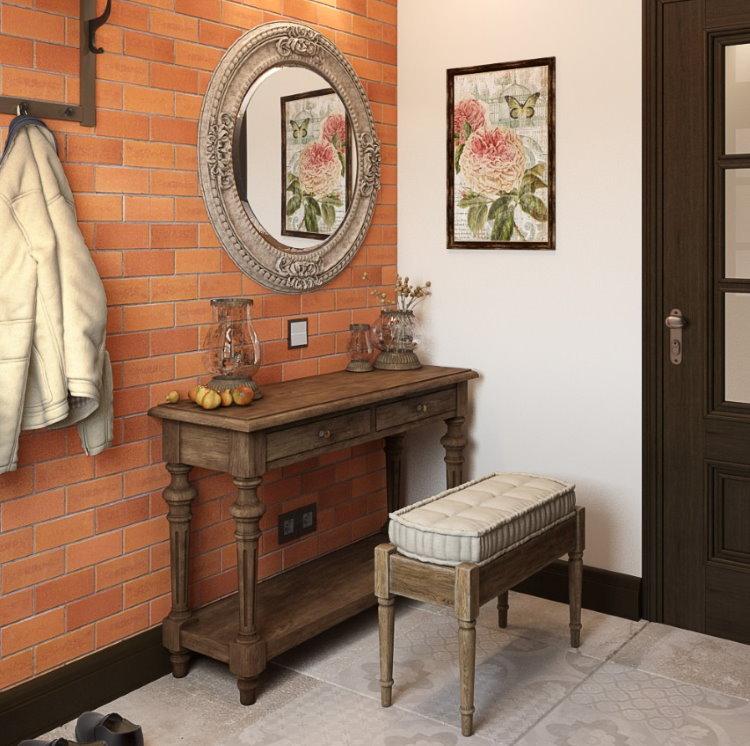 Деревянная мебель в коридоре стиля кантри