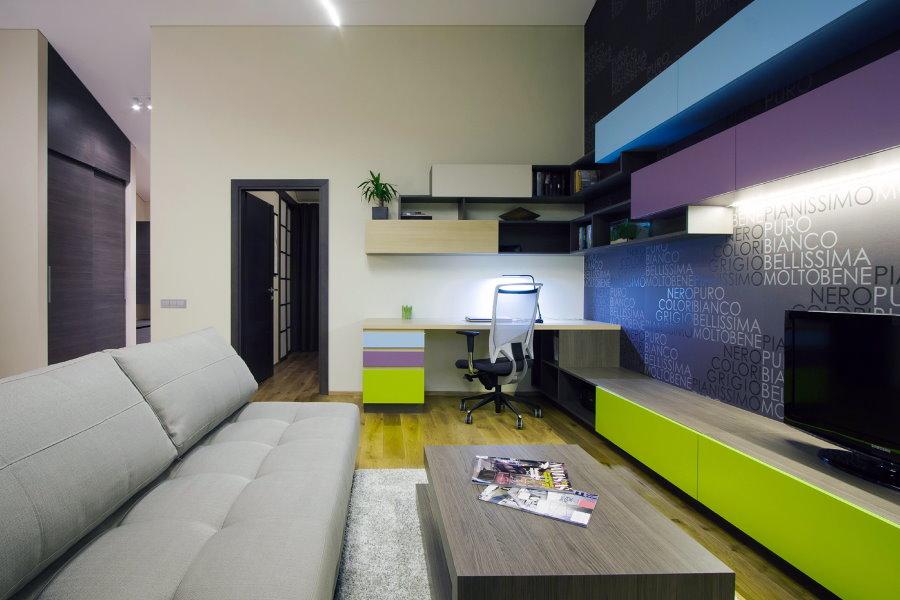 Декорирование гостиной комнаты в контрастных цветах