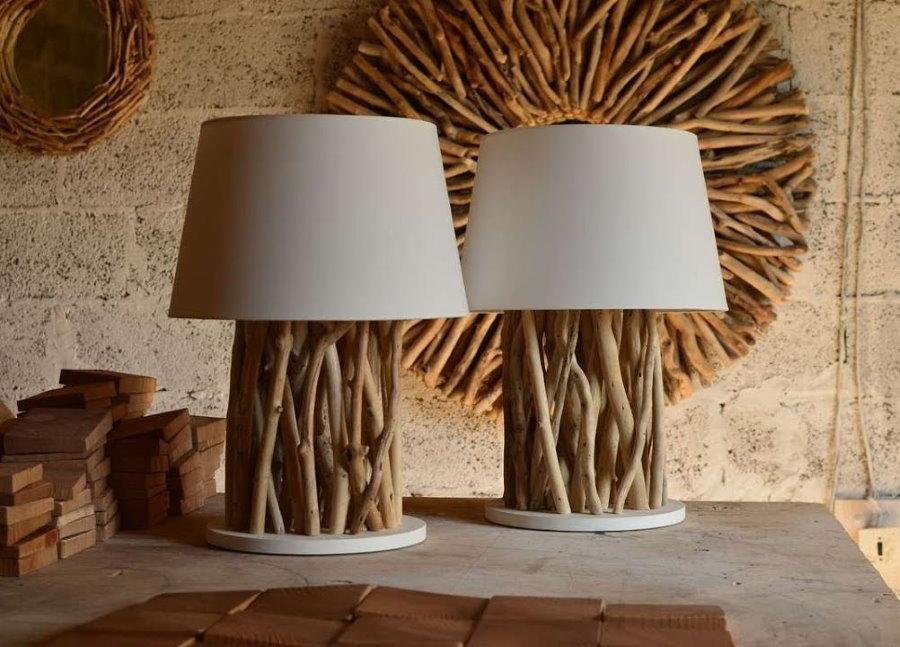 Лампы из веток деревьев для декора гостиной на даче