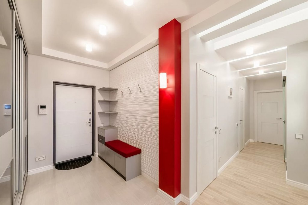 Линолеум на полу белого коридора