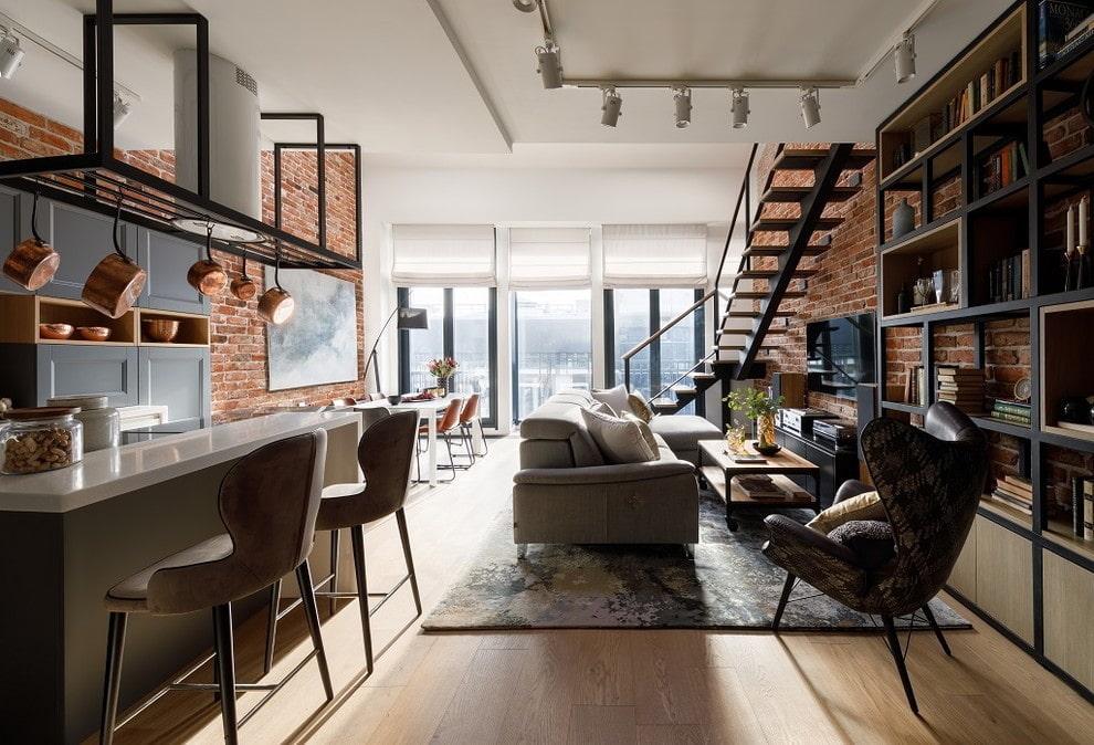 Лофт в интерьере квартиры с двумя уровнями
