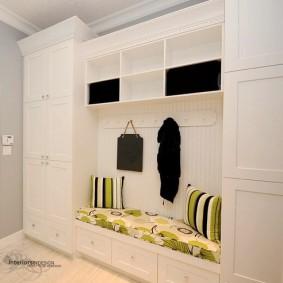 мебельная стенка в прихожую виды декора
