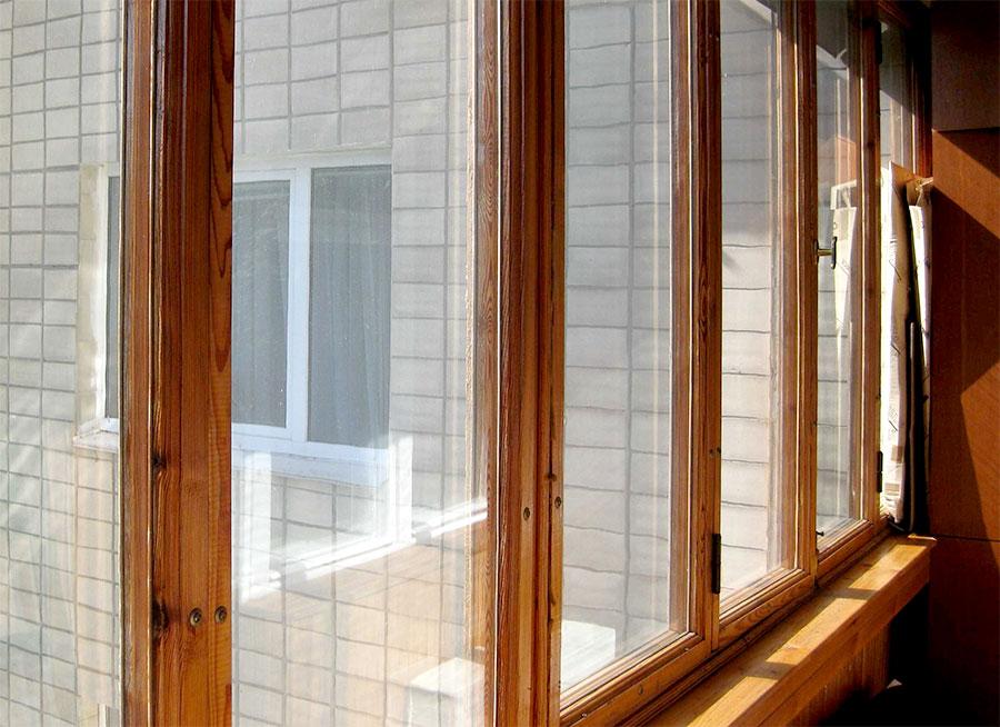 остекление балкона деревянные рамы
