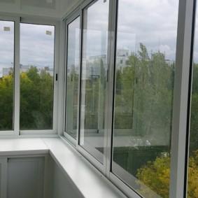 остекление балконов и лоджий варианты оформления
