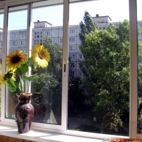 остекление балконов и лоджий виды