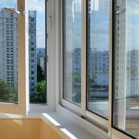 остекление балконов и лоджий идеи виды