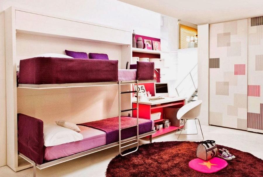 Кровати-трансформеры в комнате двух девочек