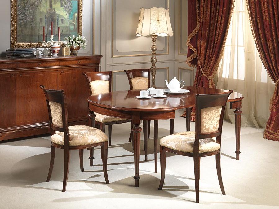 Раскладной овальный стол в классической гостиной