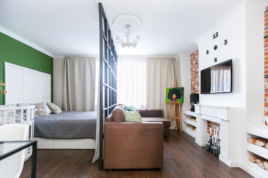 Декоративная перегородка в квартире молодой семьи