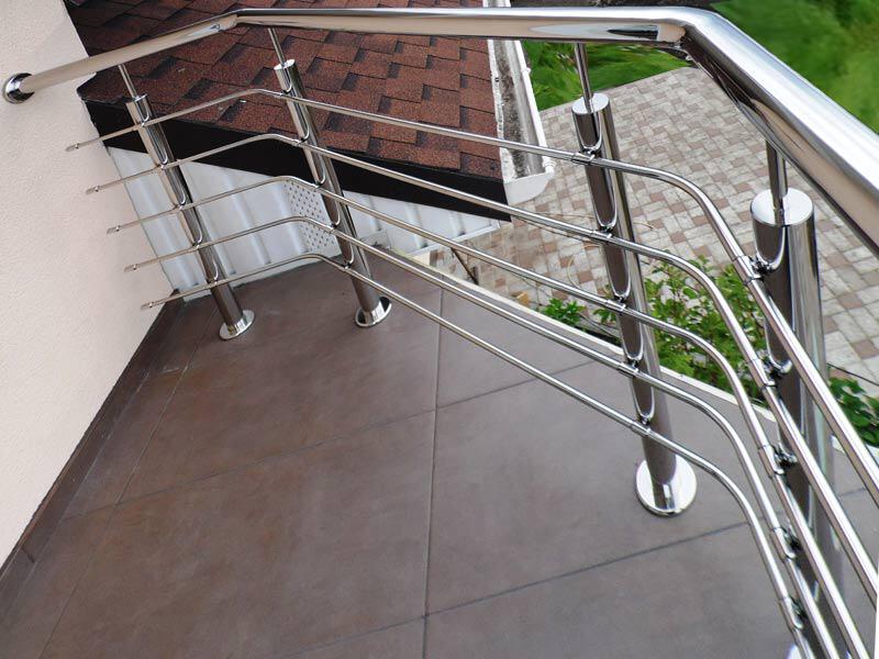 Декоративное ограждение балкона из нержавейки