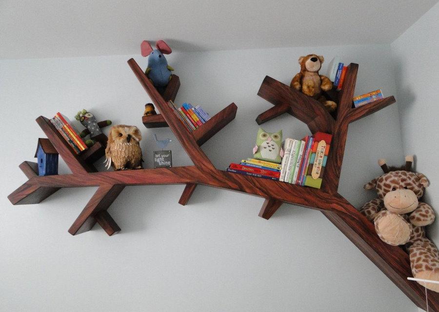 Полка-дерево с детскими игрушками
