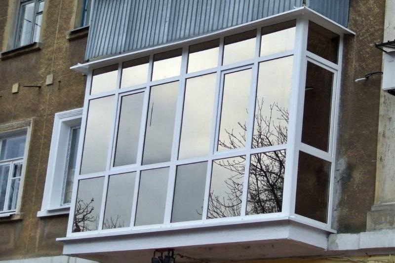 Тонировка пластиковых окон на балконе