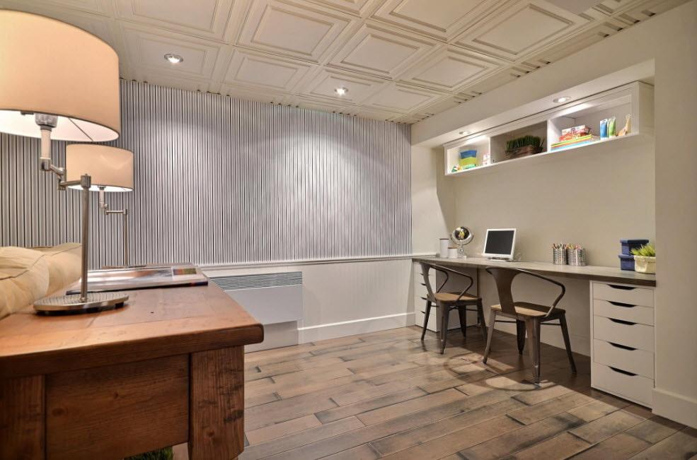 Полистирольная плитка на потолке комнаты
