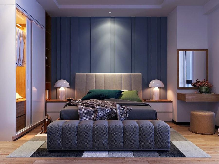 Светильники на прикроватных тумбах в спальне квартиры
