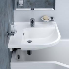 раковина над ванной варианты фото