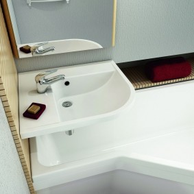 раковина над ванной фото интерьер
