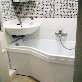 раковина над ванной оформление идеи