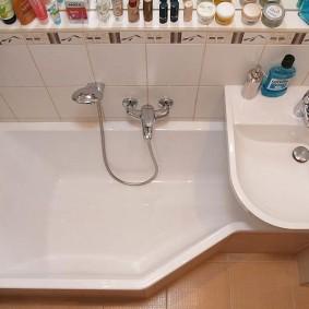 раковина над ванной виды фото