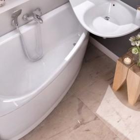 раковина над ванной оформление