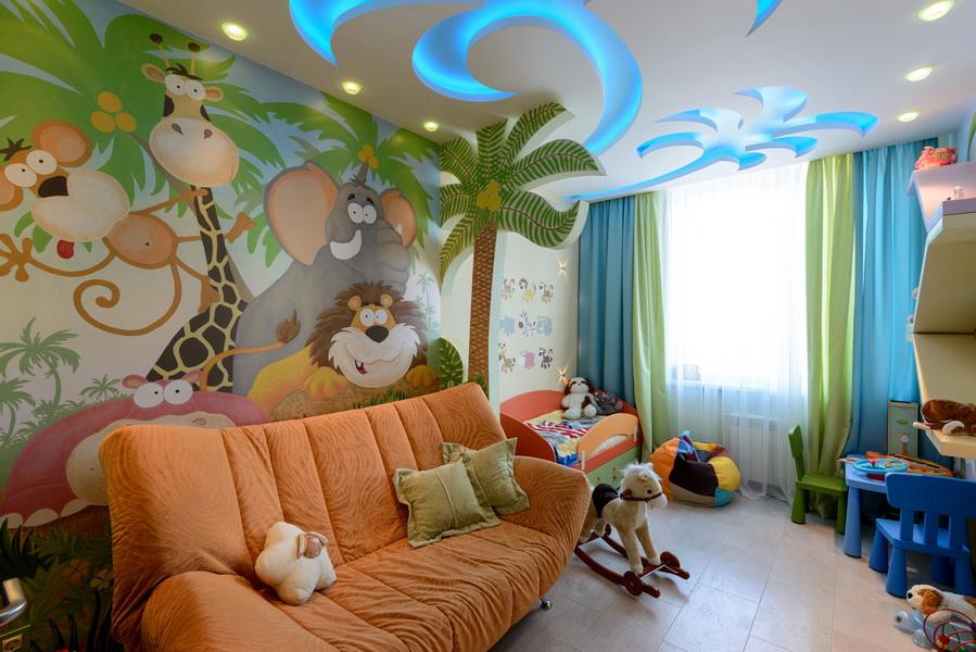 Раскладной диванчик в комнате ребенка