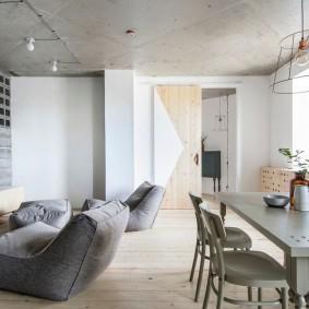 Бескаркасная мебель в кухне гостиной