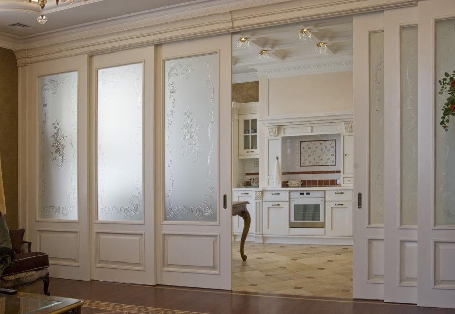 Раздвижные двери для роскошного интерьера в стиле классики