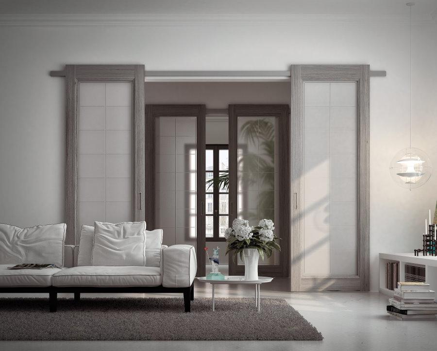 Раздвижные двери в интерьере просторной гостиной