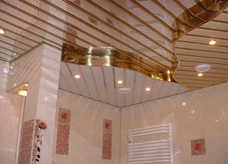 Алюминиевый потолок в ванной комнате