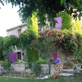 сад в частном доме виды оформления