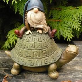 садовая фигура гном фото декора
