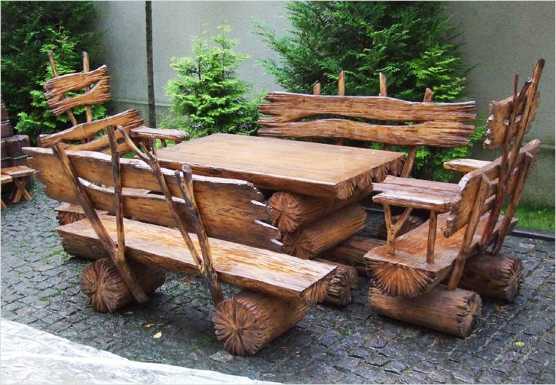 садовая мебель из бревен и пеньков