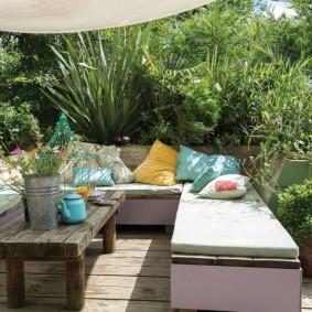 садовая мебель из дерева и металла дизайн
