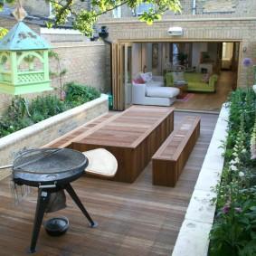 садовая мебель из дерева и металла декор