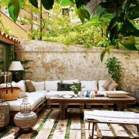 садовая мебель из дерева и металла варианты