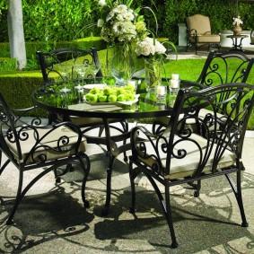 садовая мебель из дерева и металла кованая