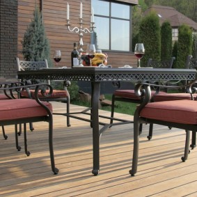 садовая мебель из дерева и металла виды декора