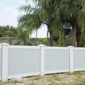 секционный забор для дачи варианты декора