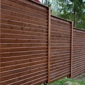 секционный забор для дачи из дерева