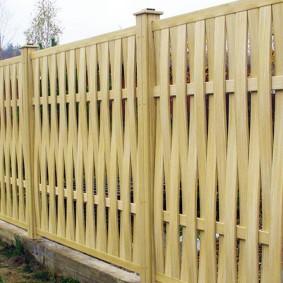 секционный забор из дерева идеи