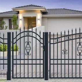 секционный забор ковано сварной дизайн