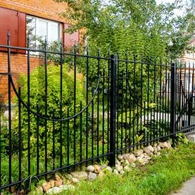секционный забор металлический фото идеи