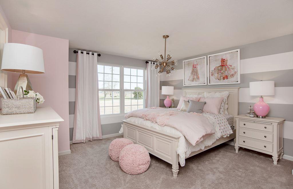 серо розовая спальня фото