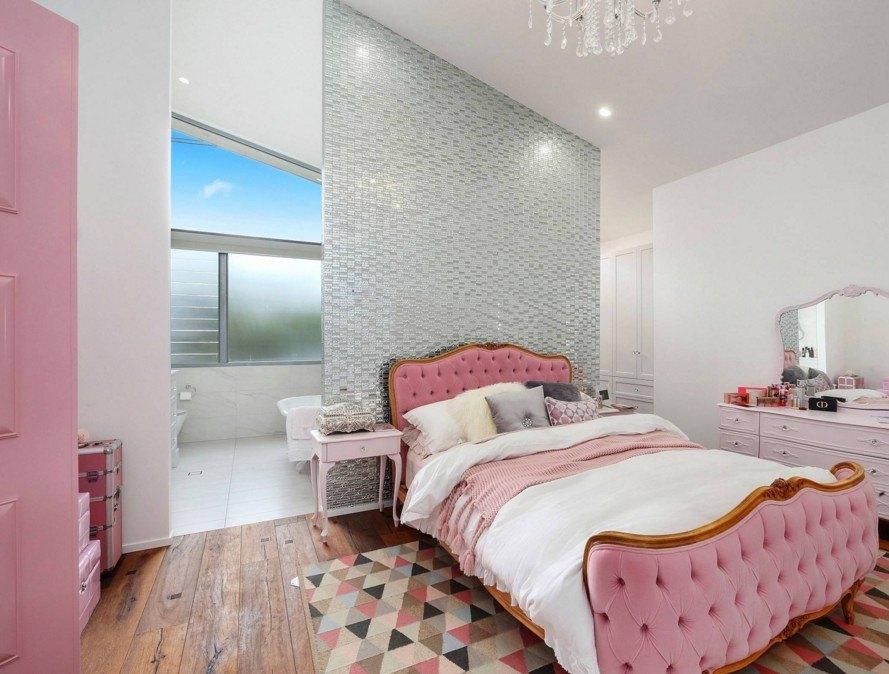 серо розовая спальня оформление фото