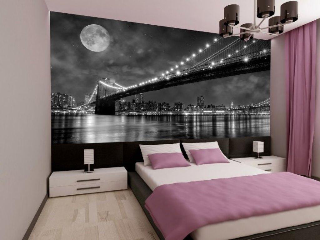серо розовая спальня с фотообоями