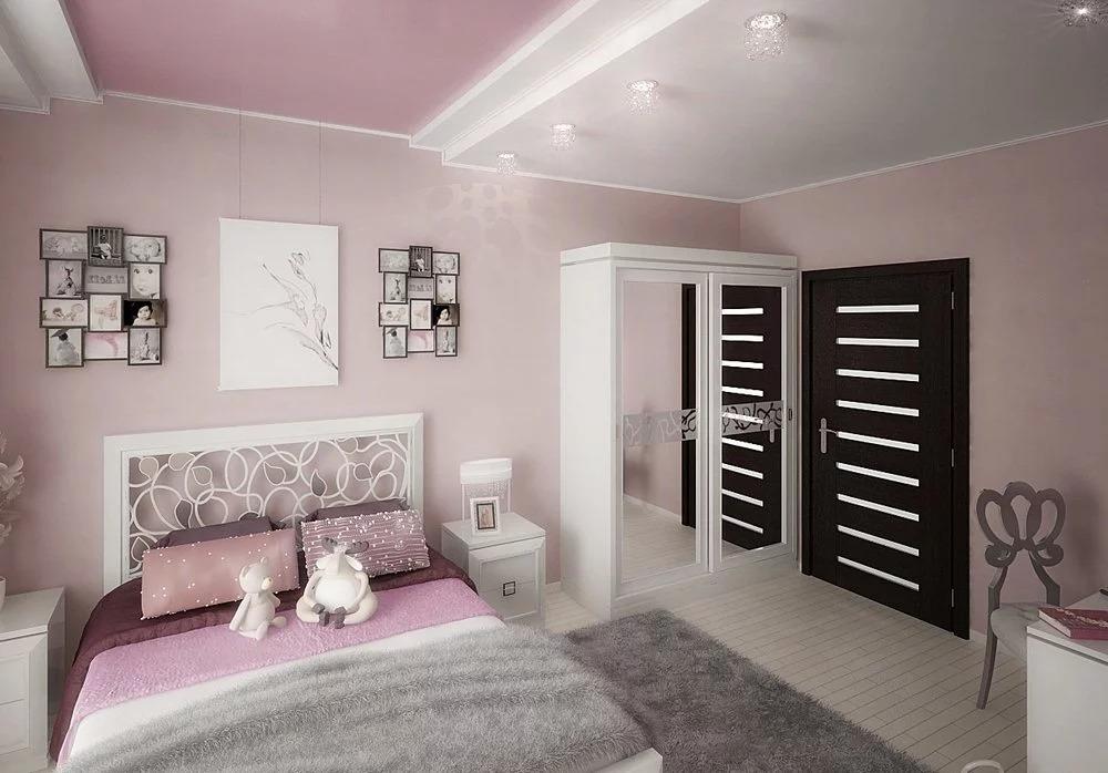 серо розовая спальня с зеркальным шкафом