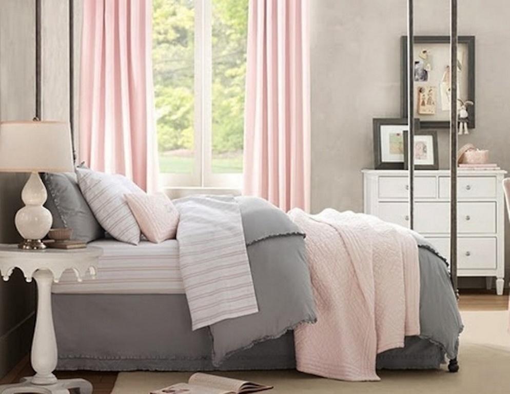 серо розовая спальня современная