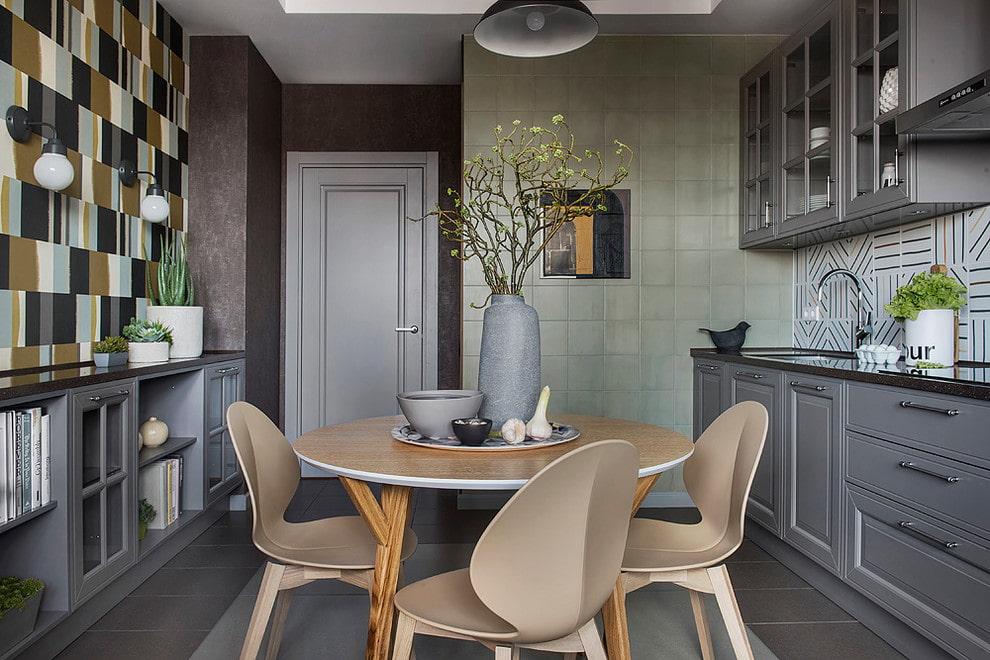 серые двери на кухне
