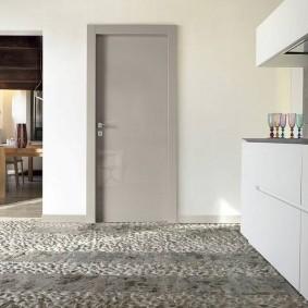 серые двери в квартире идеи дизайн